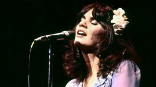 """LINDA RONSTADT: THE SOUND OF MY VOICE"": Hit after hit"